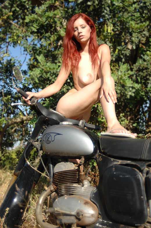 Ariel, pelirroja sexy